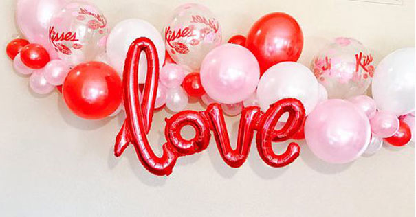 10 x Red Cake Box Balloon Weight Event Party Favors Decoration Weights NEW